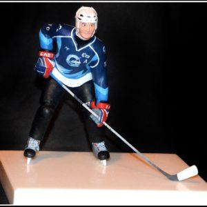 Фигурка хоккеиста под заказ