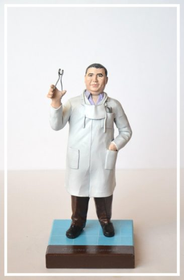 Фигурка стоматолога в подарок на юбилей!