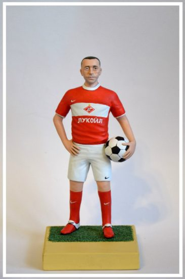 Хотите удивить подарком звезду большого футбола?