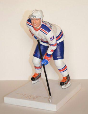 Фигурка хоккеиста с портретным сходством в подарок на юбилей…