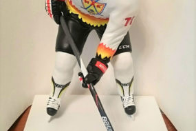 Статуэтка хоккеиста — подарок для настоящих мужчин…