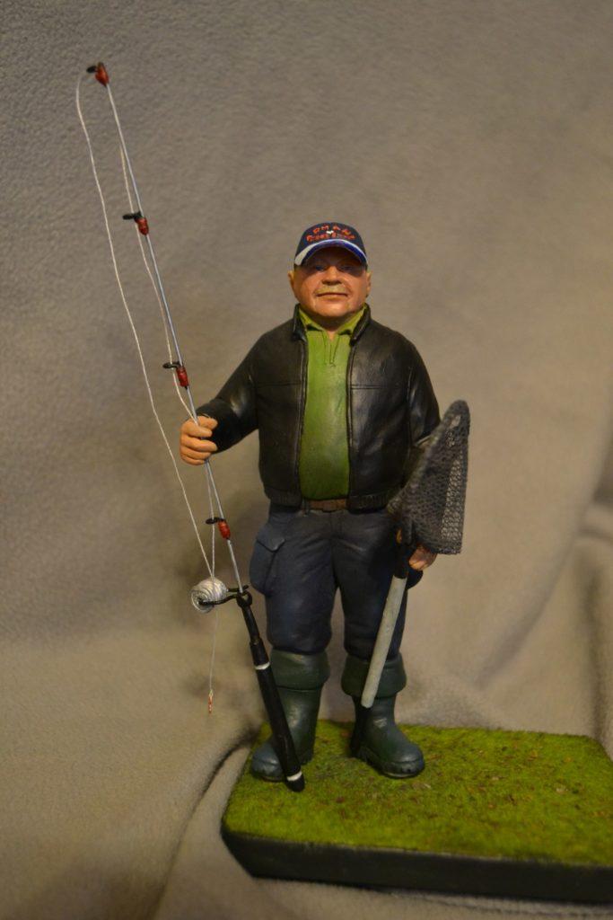 фигурка рыбака на заказ